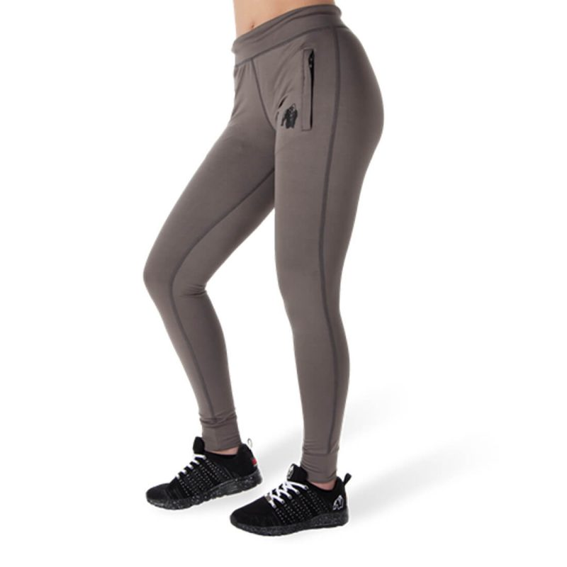 go-cl-01_0003_cleveland-track-pants-gray.png