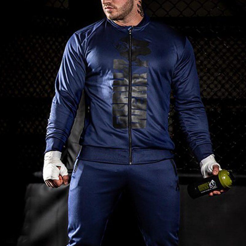 gorila-man-4_0003_ballinger-jacket-sfeerbeelden (4).jpg