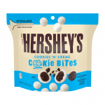 hersheys-cookies-creme-cookie-bites-pouch-7.5oz-800×800 (1)